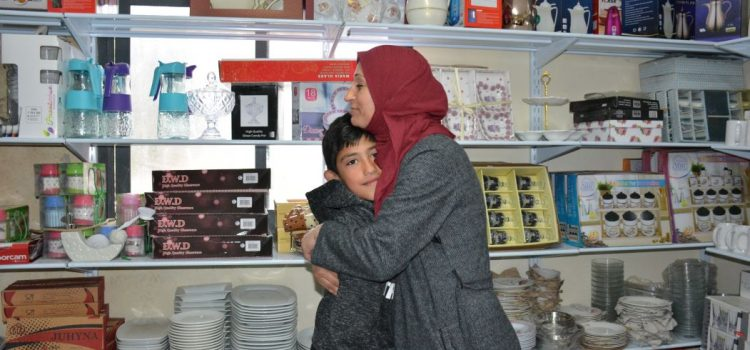 HUDA – RESISTS WITH HOPE TO EMBRACE HER FAMILY
